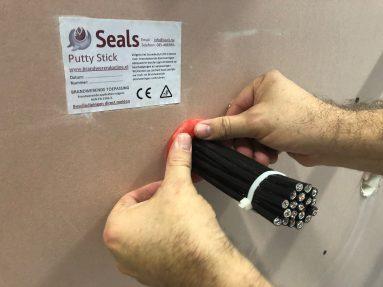 Brandwerendonline – Seals Putty Stick (5)